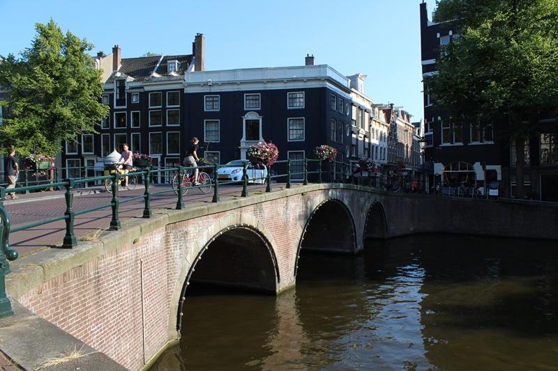 Фото 12, Каналы и мосты Амстердама, Нидерланды